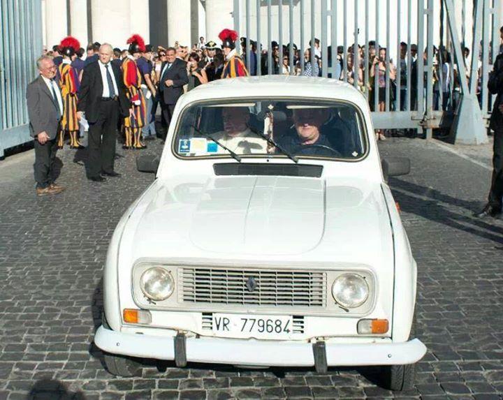 De Renault van Bergoglio