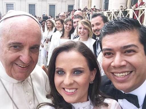 pope-selfie-600x450