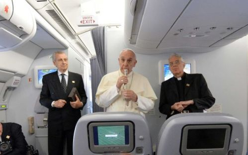 Pope-Francis-on-the-airplane
