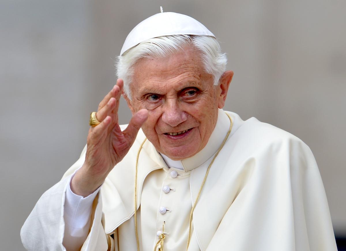 """Paus Benedictus XVI: """"In de trage achteruitgang van mijn fysiek, ben ik op een pelgrimstocht naar Huis"""""""