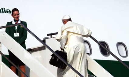 Pope Francis sets off for Brazil