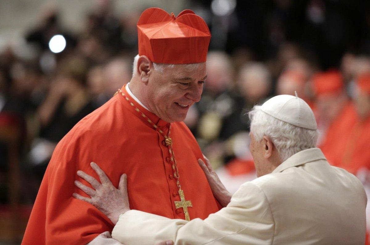 """Benedictus' bewering dat de Kerk aan het kapseizen is, zindert nog na; Kardinaal Muller: """"Benedictus ontgoocheld over mijn ontslag"""""""