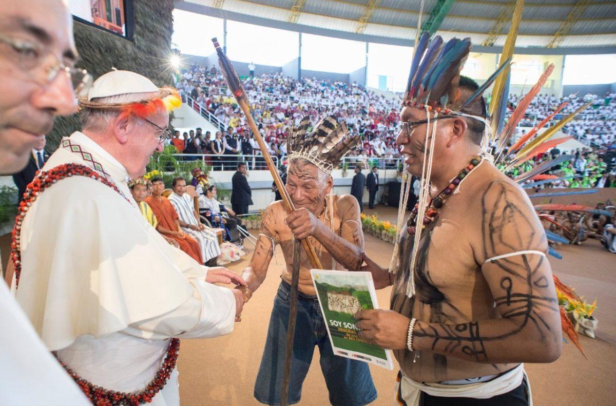 """De Pan-Amazonesynode van 2019: Bergoglio stelt prelaten aan die tegen het celibaat zijn en wil vrouwen """"officiële ambten"""" toekennen"""